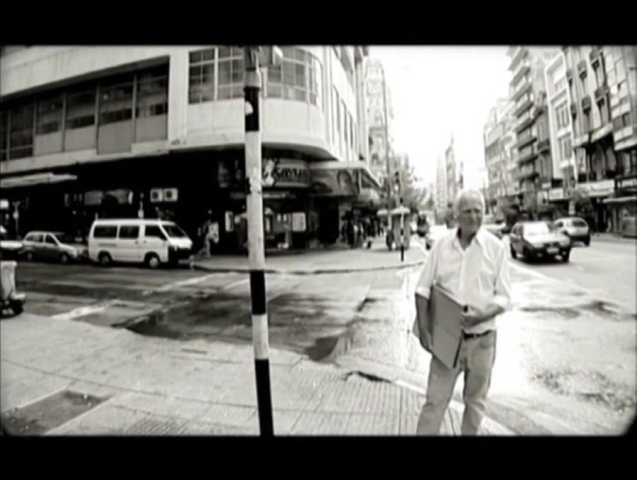 'Al pie del árbol blanco' (documental, 2007)